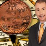CEO de DoubleLine se anticipa a caída del dólar estadounidense y afirma que es hora de comprar Bitcoin